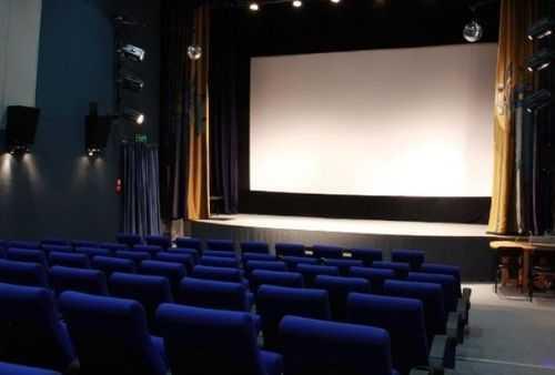 В поселке Увельский открыли новый кинозал