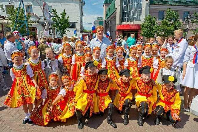 Глава Челябинска встретил День России вместе с горожанами на Кировке