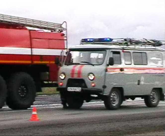 ВЧелябинской области около заправки столкнулись вседорожный автомобиль и«семерка»