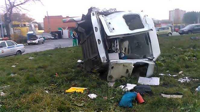Суд Челябинска рассмотрит дело водителя, врезавшегося вскорую