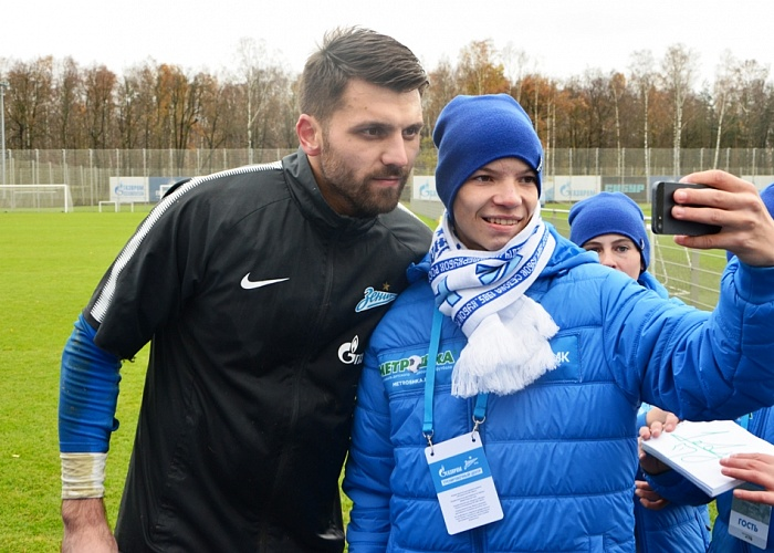 РМК отправила молодых футболистов Челябинской области поучиться у«Зенита»