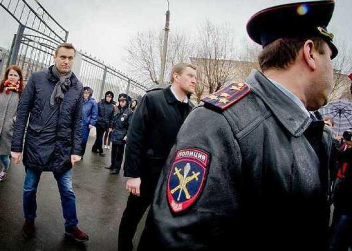 В мутной воде: Навальный развернул агитацию в Челябинске